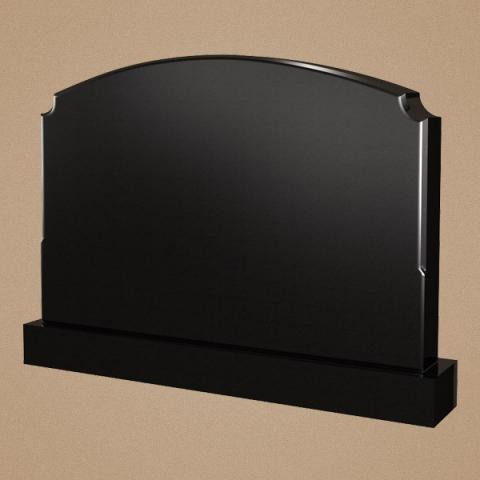 Надгробная плита с округлой верхней частью
